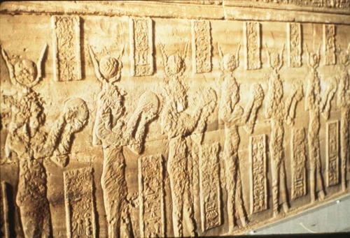 DONNE E TAMBURI: IMPLICAZIONI TERAPEUTICHE, SPIRITUALI E POLITICHE