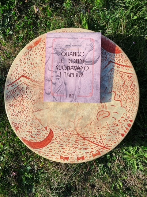 Le Antiche Dee e i Tamburi a Cornice: la Ricerca di Layne Redmond